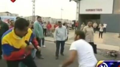 Nicolás Maduro boxea en las calles de Venezuela