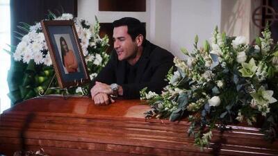 Ricardo está destrozado por la muerte de Alejandra y este desgarrador momento lo demuestra