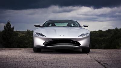 El Aston Martin DB10 de James Bond es subastado por $3,480,000