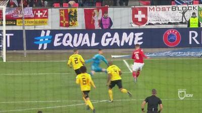 Seferovic estuvo a punto de hacer su 'hat-trick' y de poner a Suiza en el Final Four