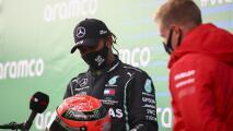 Recibe Lewis Hamilton casco que usó Michael Schumacher