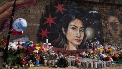 Familiares y amigos de Marlen Ochoa-Urióstegui llevan a cabo vigilia en Pilsen y exigen justicia por el asesinato