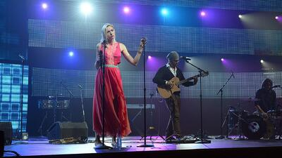 From England to Mexico: Jenny and the Mexicats on Overcoming the Language Barrier