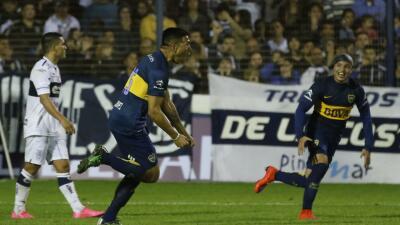 Boca le ganó sobre la hora a Gimnasia y se mantiene como líder del torneo