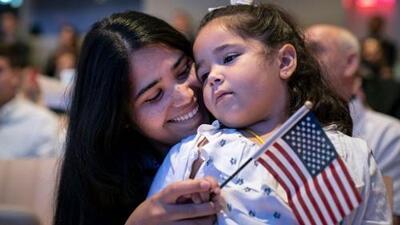 Negar ciudadanía por nacimiento a hijos de inmigrantes es inconstitucional, afirman abogados