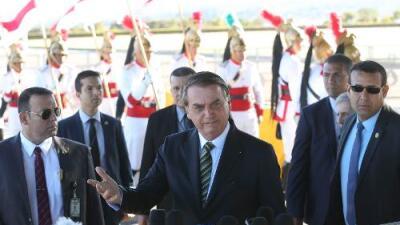 Bolsonaro baja la guardia: ahora aceptará ayuda para combatir incendios en Amazonas, pero con condiciones