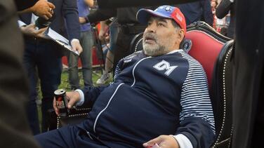Por COVID-19, en Argentina habría 30 equipos; Maradona libra descenso