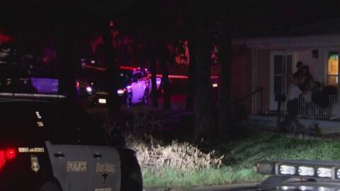 Un sospechoso recibe disparos de la policía en Fort Worth, Texas