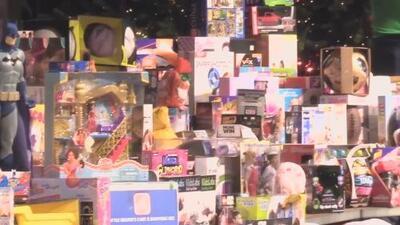 Al menos 300 familias necesitadas de Dallas recibirán juguetes y una cena de Navidad