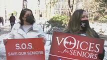 Coronavirus: activistas exigen acciones contra Cuomo por las muertes en hogares para ancianos en Nueva York