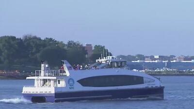 Inauguran ruta del ferry que conectará a miles de personas de El Bronx con Manhattan