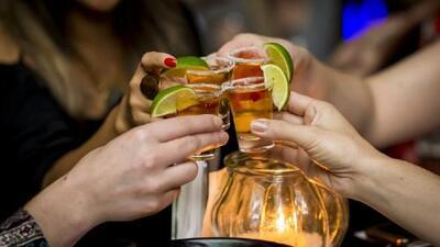 En el Día Nacional del Tequila muchos se preparan para festejar a esta popular bebida mexicana