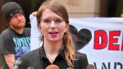 Juez ordena que Chelsea Manning regrese a la cárcel a una semana de ser liberada