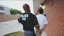 ICE firma contrato con la compañía LexisNexis para la compra de datos personales y hay preocupación entre inmigrantes