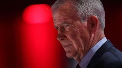 El presidente de la Asociación Nacional del Rifle dice que renunciará a su cargo, tras una disputa