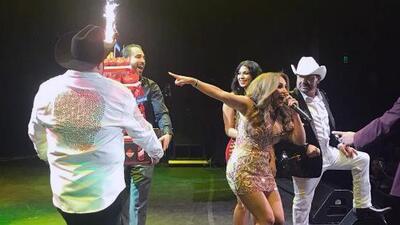 El Free-guey show sorprendió a El Bueno, La Mala y El Feo con un pastel de seis pisos