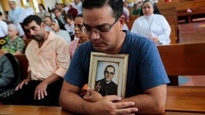 Con un concierto y feria, comunidad salvadoreña en Los Ángeles celebra la canonización del monseñor Óscar Romero