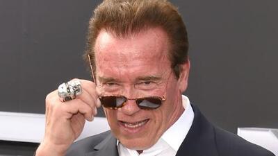 """Arnold Schwarzenegger responde en Twitter qué hará en contra del """"idiota"""" que lo pateó a traición"""