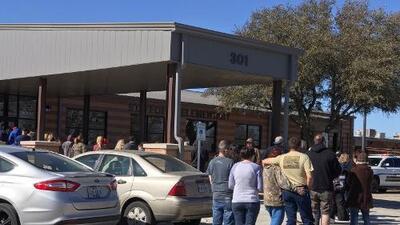 Tiroteo en escuela de Texas deja a una quinceañera herida, un estudiante detenido y múltiples interrogantes