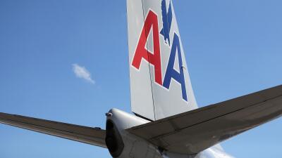 Demandan a American Airlines por racismo