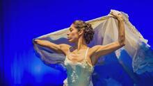 Una muestra de 'Everything Around Us', la obra que combina diferentes estilos de danza con teatro