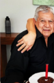 Muere padre de Adrián Uribe, así reaccionaron sus amigos famosos