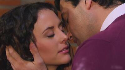 Finalmente Lupita y Miguel Ángel se besaron