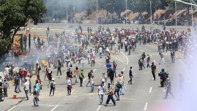 Más de 80 heridos deja la represión del régimen de Nicolás Maduro durante la jornada de protestas en Caracas