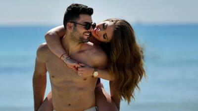 Exclusiva: Sandra Itzel y su esposo subieron la temperatura en las playas de Miami