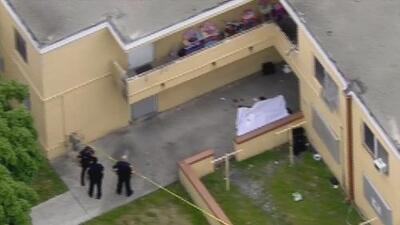 Investigan el asesinato de un hombre en un complejo de apartamentos en Wynwood