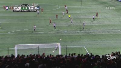 ¡Barovero se lució otra vez! Le quitó el gol a Pity Martínez