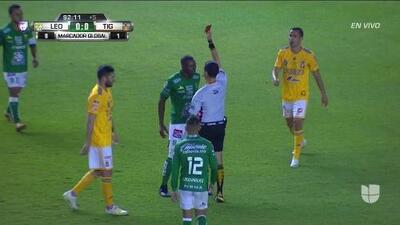¡Expulsión! El árbitro saca la roja directa a Andrés Mosquera