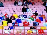 Bielorrusia improvisa con maniquíes en sus tribunas