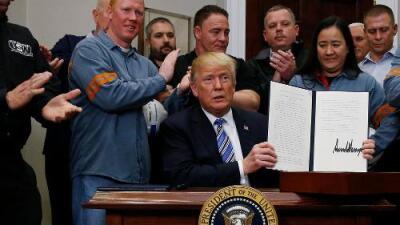 Trump impone aranceles a la importación de acero y aluminio pero excluye a Canadá y México, por ahora