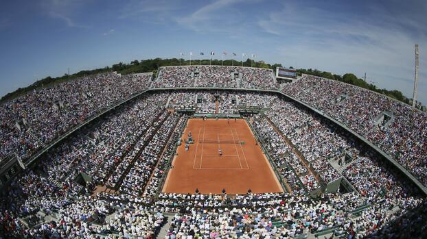 Rebrote de COVID-19 reducirá aforo para Roland Garros