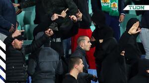 UEFA veta y multa a Bulgaria por actos racistas