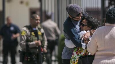 Realizan vigilia para exigir mayor control de armas tras el tiroteo en una secundaria de California