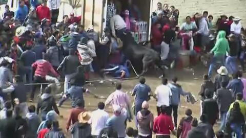 Al menos 12 personas resultaron heridas durante un festival de toros en Perú