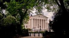 ¿Por qué el reciente fallo de la Corte Suprema favorece a indocumentados que enfrentan un proceso de deportación?