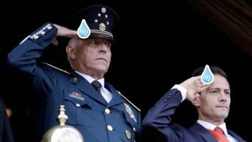 EEUU retira cargos de narcotráfico y lavado de dinero a ex secretario de defensa de Peña Nieto