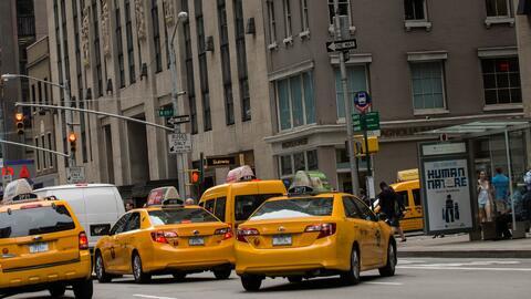 Segunda caravana de taxistas sale hacia Albany para pedir la exención del cargo de congestión