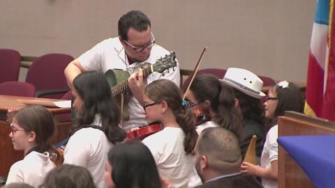 Promueven la celebración de las fiestas puertorriqueñas en la alcaldía de Chicago
