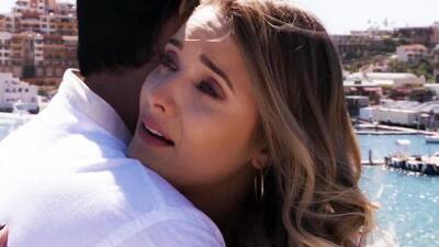Sofía desahogó todas sus penas en los brazos de Ricardo