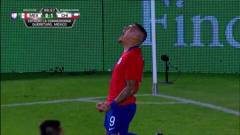 ¡GOOOL! Nicolás Castillo anota para Chile