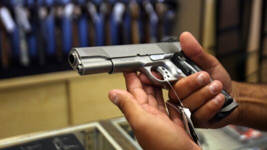 Ya es ley: Texas permitirá que mayores de 21 años porten un arma sin necesidad de licencia o entrenamiento