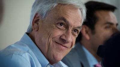 'Torpe' para hablar, hábil para la política: el estilo propio del candidato presidencial chileno Sebastián Piñera