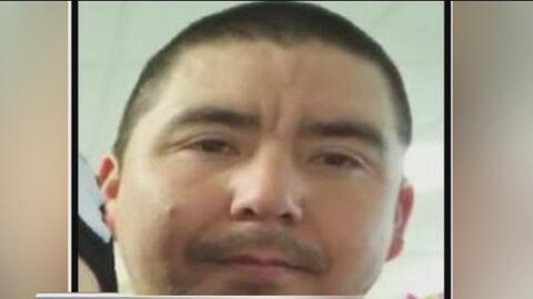 Buscan a sospechoso que apuñaló mortalmente a un joven en el condado Travis
