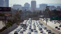 Sal con tiempo de casa: se reporta tráfico con lentitud sobre la I-405 de Los Ángeles la mañana de este lunes