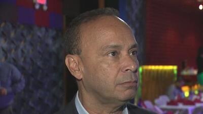 Congresista Luis Gutiérrez dice que no negociarán el 'Dream Act' por el muro fronterizo