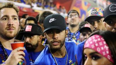 Neymar se fue a Catar para una revisión médica